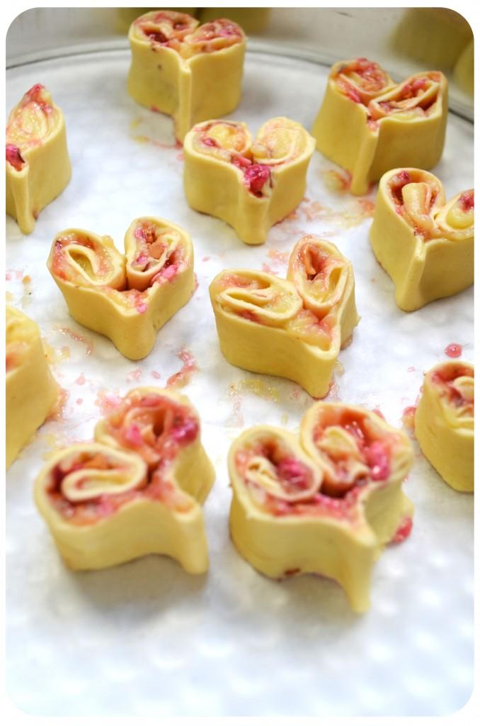 coeurs-feuilletés-pralines-roses-crème-patissière-coupe