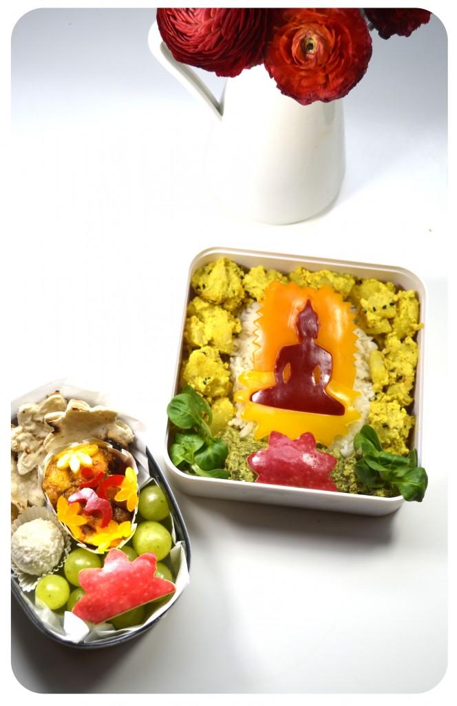 bento-bouddha-indien-vegetarien-curry-pomme-de-terre-epinard-basmati-emporte-piece-fleur-chutney-chapati