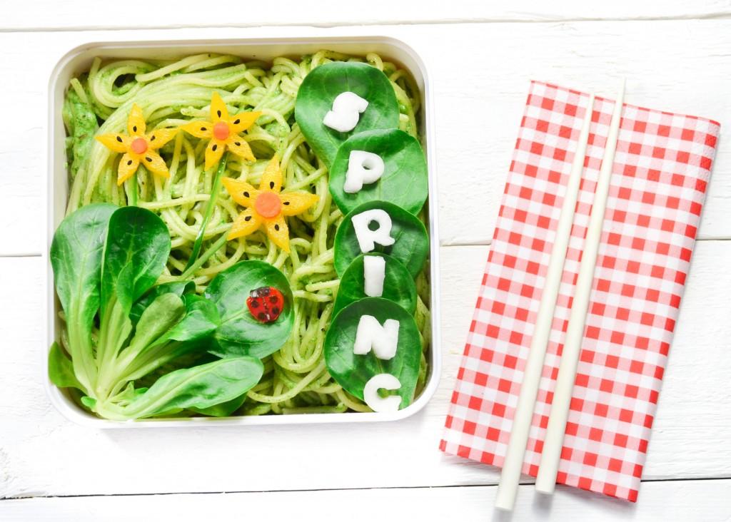 bento vegetarien printemps coccinelle fleur pesto de blettes-2